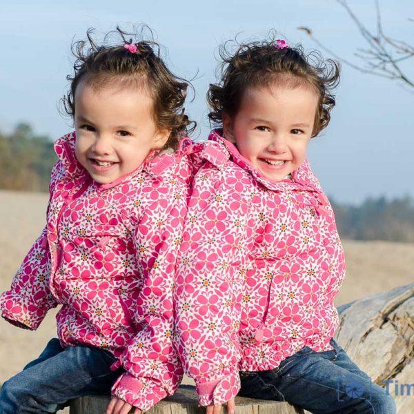 Fotoshoot tweeling Lise en Esmee